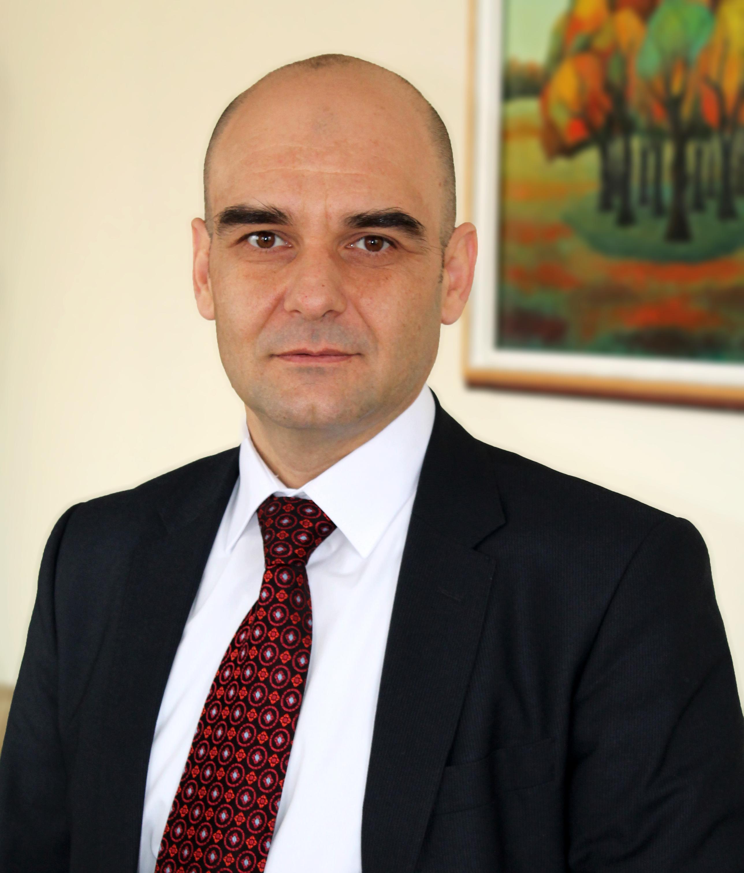Николай Сираков